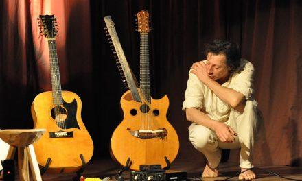 Michel Gentils et la guitare 12 cordes