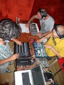 Rafiralfiro, Cam' Step & Izmo : Live Meeting @R-Dwa