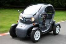 La voiture électrique Twizy de Renault à l'essai