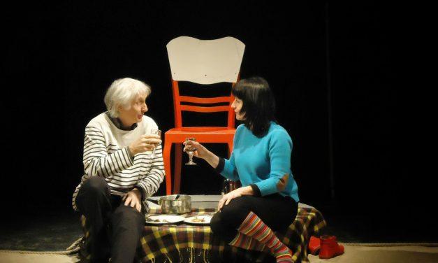 Caroline Dumas, présente la pièce de théatre «La Chaise»