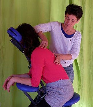 Massage sur chaise pour salariés avec Florence Bresc