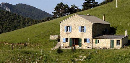 Biotop [150] : Tourisme vert avec La Tour de Borne