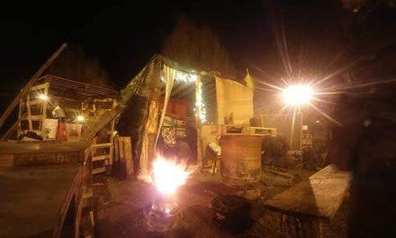 Nuit du 18 janvier 2019 au rond-point Gilets Jaunes de Die