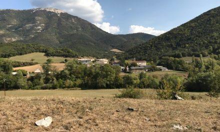 Deux Points Ouvrez Les Guillemets en Vallée de Quint
