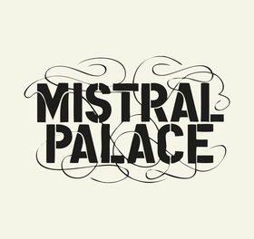 Le Mistral Palace à l'arrêt