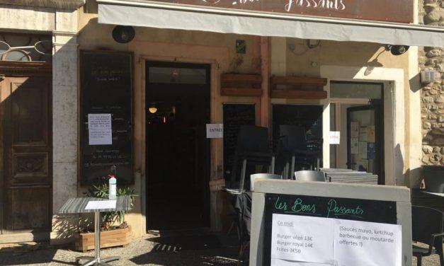 Julia Partouche et le restaurant Les Bons Passants