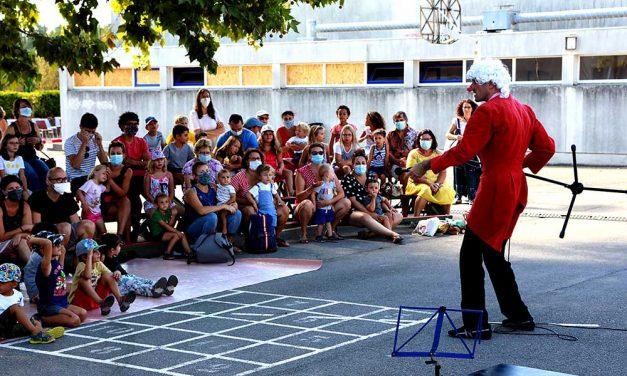 Anaïs Prat, Dehors! et le spectacle vivant