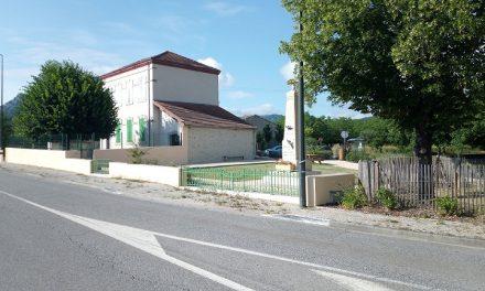 Deux Points Ouvrez Les Guillemets à Montlaur-en-Diois